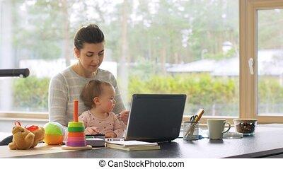 fonctionnement, ordinateur portable, mère, bureau, bébé, ...