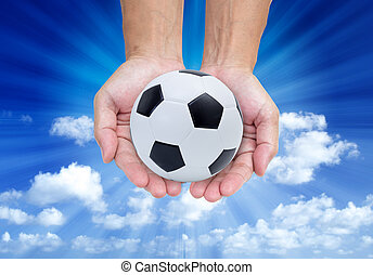 fond, balle, isolé, bleu ciel, football, mains