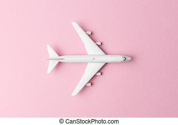 fond blanc, rose, avion