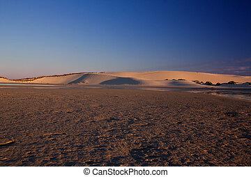 fond, dunes, sur, marée, coucher soleil, bas, lagune, blanc