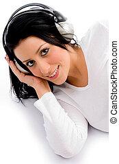 fond, sommet, femme, musique écouter, sourire, blanc, vue