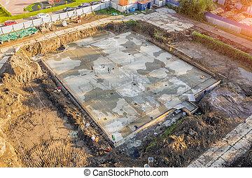 fondation, aérien, plus loin, bâtiment, versé, construction, ciment, vue., sommet, sous-sol