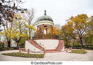 fontaine, budapest, neptune