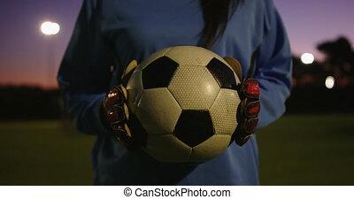 football, femme, balle, tenue, joueur, field., 4k