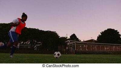 football, femme, joueur boule, tir, 4k