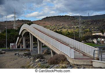 Footbridge overpass