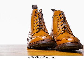 Footwear Concepts.Pair of High Gentleman Tanned Brogues...