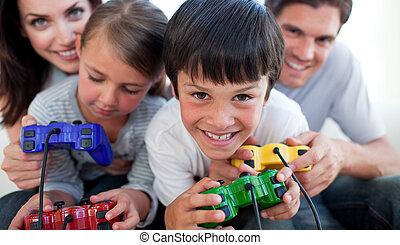 forældre, boldspil spille video, hos, deres, børn
