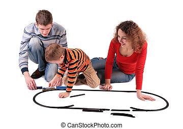 forældre, leg, søn, ind, stykke legetøj, jernbane