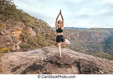 força, montanha, femininas, condicão física, ioga, equilíbrio, asana, borda