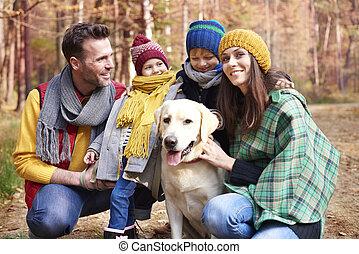 forêt, chien, famille, promenade