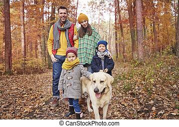 forêt, famille, promenade
