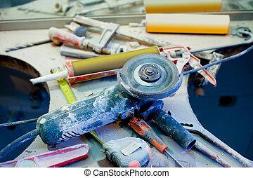 forbedring til hjem, messy, forvirring, hos, støv, redskaberne