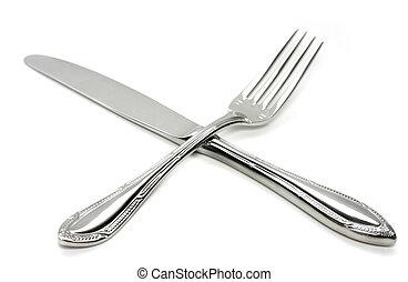 forchetta, croce, coltello