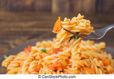 forchetta, su, pasta, verdura, chiudere, salsa