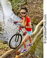 fording, vélo, throught, eau, girl, bûche