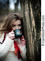Forest mood - Outdoor portrait of beautiful woman in winter ...