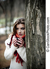 Forest mood - Outdoor portrait of beautiful woman in winter...