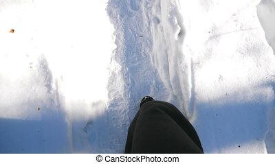 forest., route, trail., bottes, aller, flânerie, type, mouvement, sommet, mâle, pov, unrecognizable, clair, blanc, marche, marcher, randonneur, fin, neigeux, vue, lent, hiver, pieds, concept., par, haut, snow.
