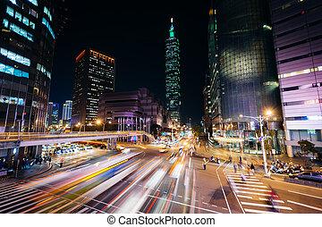 forgalom, képben látható, xinyi, út, és, kilátás, közül, taipei, 101, éjjel, alatt, taipei, taiwan.