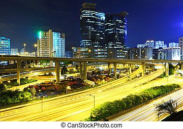 forgalom, város, éjszaka