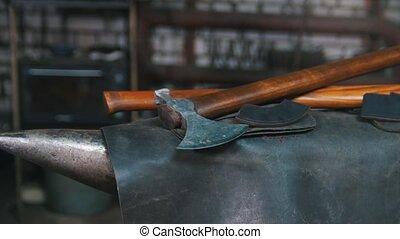 forgeron, présentation, blacksmiths, axe., workroom.