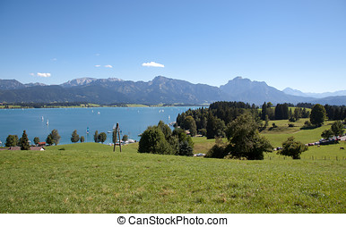 Forggensee - Beautiful idyllic countryside landscape in ...