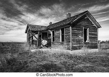 Forgotten Home on the Pawnee Grasslands