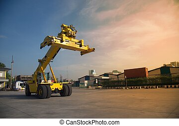 Forklift trucks container handlers, storage facilities to prepare the work.