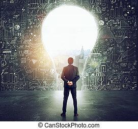 formé, mur, grand, regarde, lumière, homme affaires, trou, ampoule