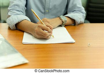 form, hölzerne hand, stift, weibliche , dokument, tisch.