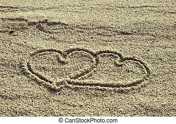 forma corazón, dibujado, en, arena de la playa
