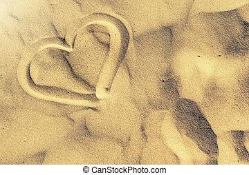 forma corazón, dibujado, en, sand., verano, y, playa, plano de fondo
