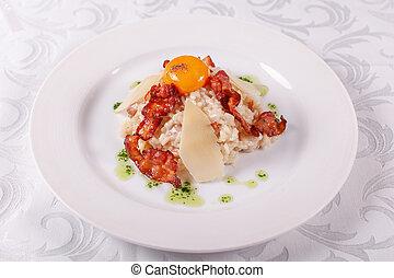 formaggio, parmesan, tuorlo, principale, risotto, course., sfondo bianco, carbonara, italiano, pancetta affumicata, uovo