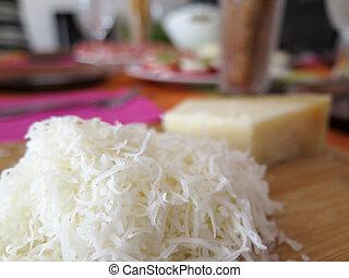 formaggio, su, uno, asse legno, su, uno, decorato, tavola, con, priorità bassa vaga, gala, cena