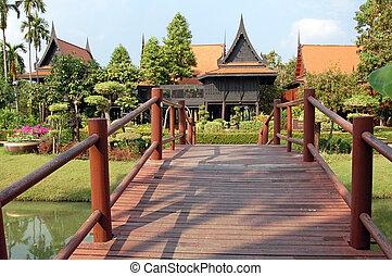 Formal Thai