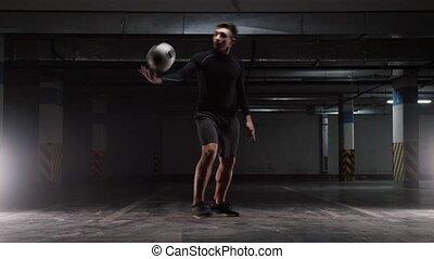 formation, balle, ruses, jeune, parking., souterrain, football, homme