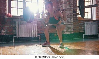 formation, dos femme, gym., accroupissement, haltère