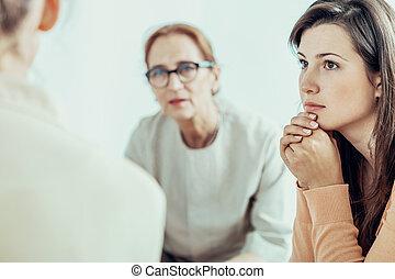 formation, femme, bureau, femme affaires, thérapeute, écoute, pendant