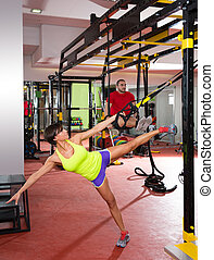 formation, femme, gymnase, trx, fitness, exercices, homme