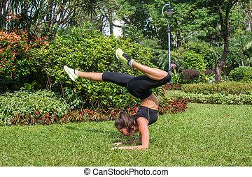 formation, femme, sportif, prendre, mince, jeune, coupure, park., fitness, water., girl, boire, après