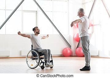 formation, orthopedist, enchanté, jeune, handicapé, patient