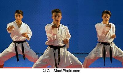 formation, poinçons, pratiquer, étudiants, trois, karaté, dojo, équipe
