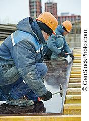 formwork, ouvrier construction, préparer