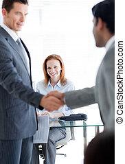 forretningsmænd, arbejde interview, anden, hils, internationale, hver, kontor
