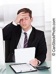 forretningsmand, angsten, kontor, siddende