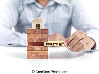 forretningsmand, greb, glose, investering, på, opgave, hos, af træ, hjem, model
