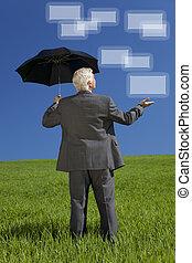 forretningsmand, ind, grønnes felt, paraply, og, skærme