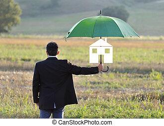 forsikring til hjem, beskyttelse, begreb, forretningsmand, hos, paraply