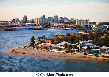 Fort Lauderdale Homes and Skyline - Fort Lauderdale High End...